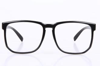 十大近视镜品牌排行榜 近视镜哪个牌子好