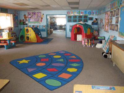 美国幼儿园的教室布置图片