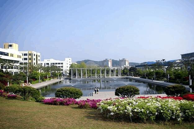 韩国汉阳大学图片