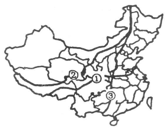 ①界线以南为亚热带常绿阔叶林 b .①线以南年降水量大于图片