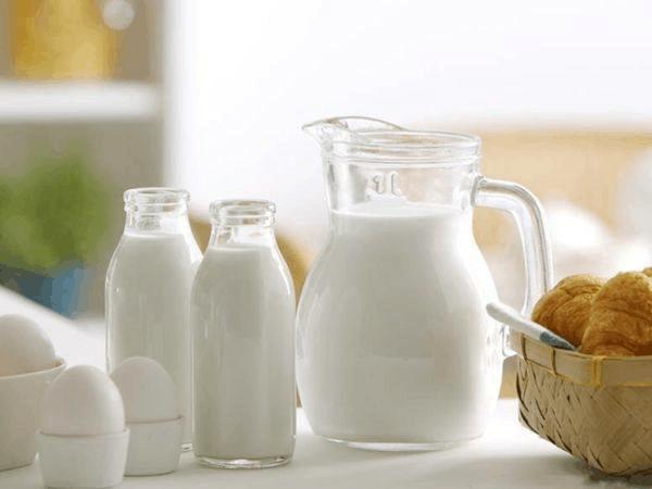 每天早晚喝牛奶到底正确吗?什么时候喝牛奶最合适?