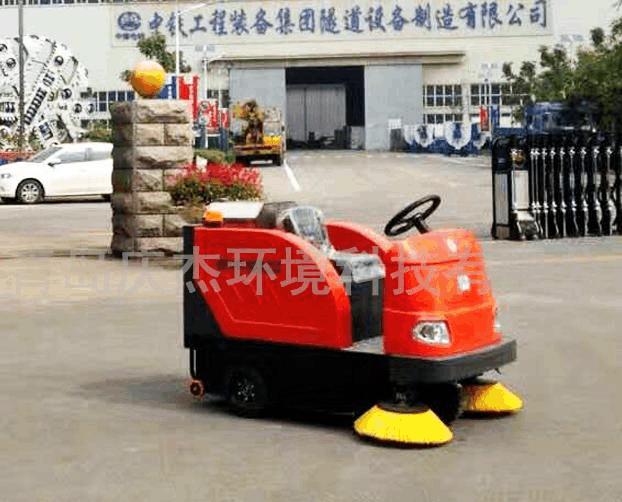 工厂用电动扫地车怎么选择?电动扫地车价格是多少?